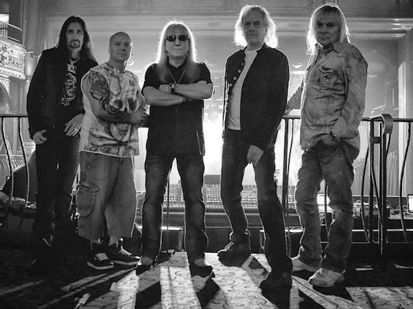 Uriah Heep, in der Mitte Mick Box